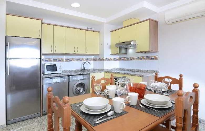 Apartamentos Nuria Sol - Room - 12