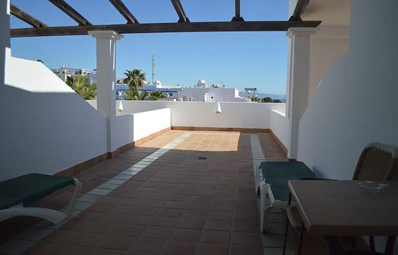 El Puntazo II - Terrace - 4