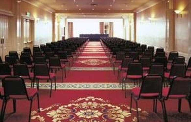 Gresham Metropole - Conference - 11
