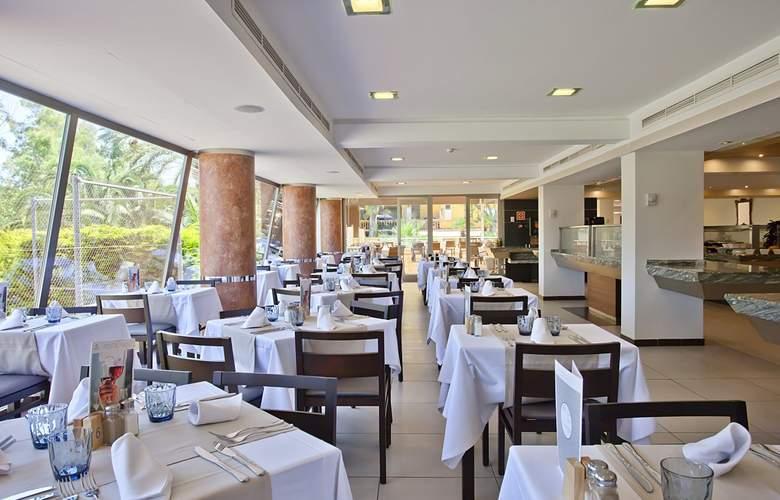 Fergus Bermudas - Restaurant - 17