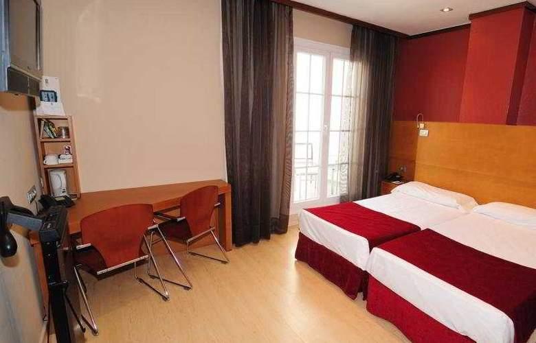 Reding - Room - 4