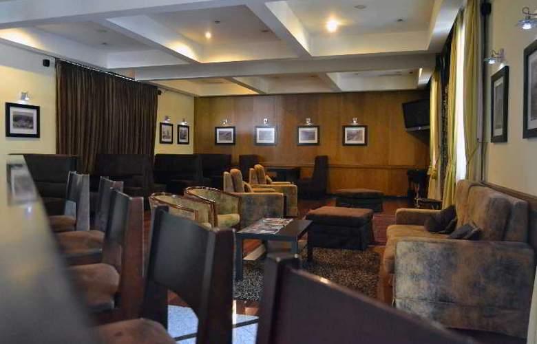 Douro Park Hotel - Bar - 6