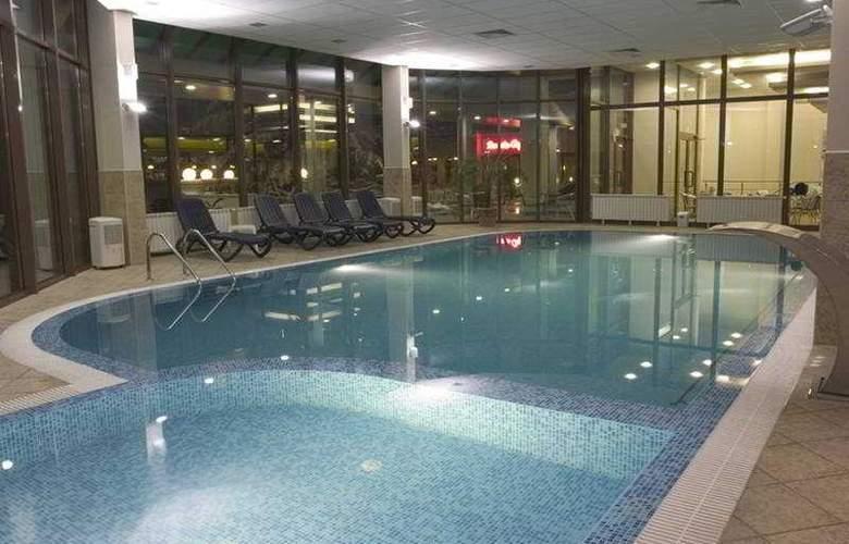 Spa Hotel Devin - Pool - 1