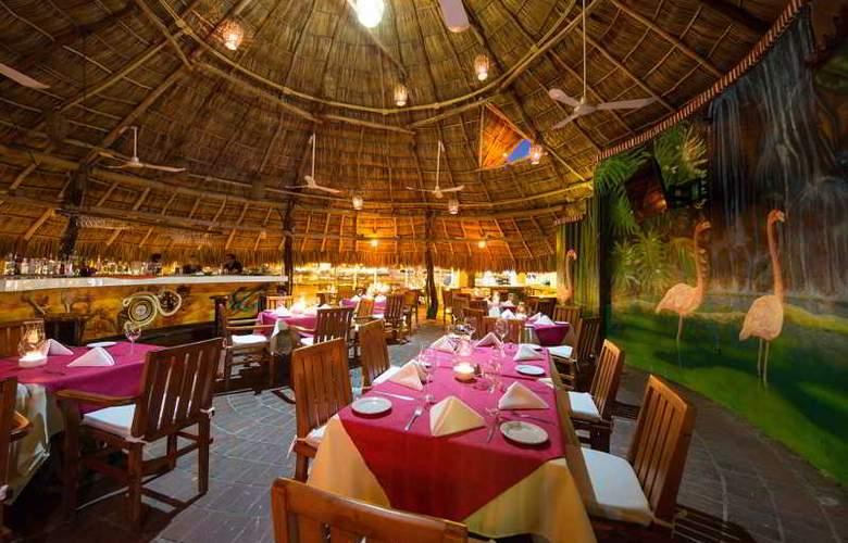 Flamingo Vallarta Hotel & Marina - Restaurant - 43