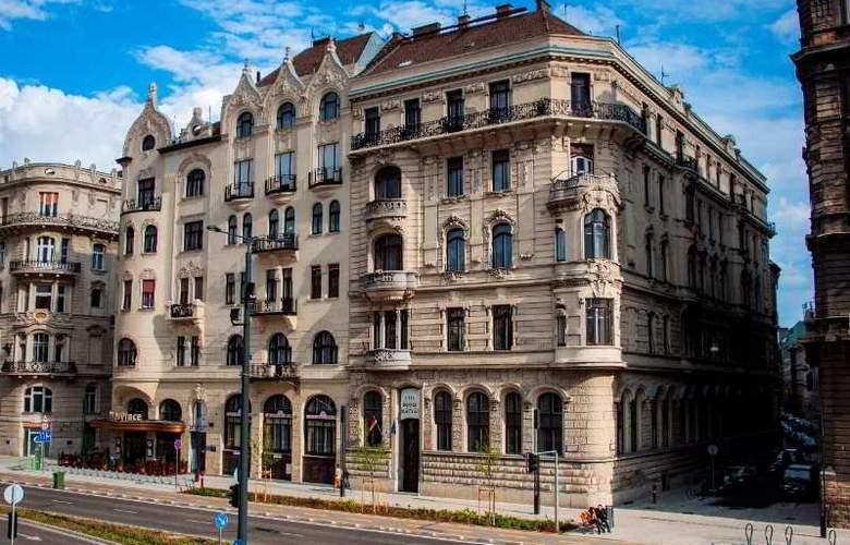 City Hotel Matyas - Hotel - 3