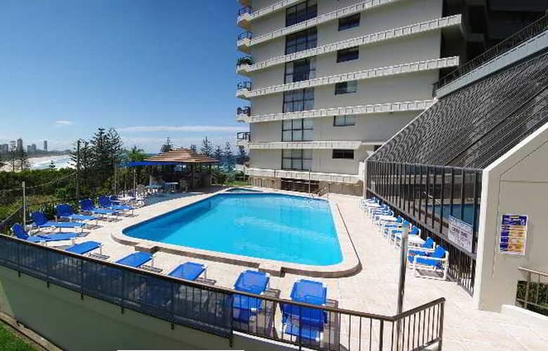 Gemini Court Holiday Apartments - Pool - 10
