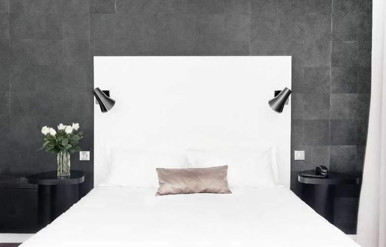 L'Hotel - Room - 3