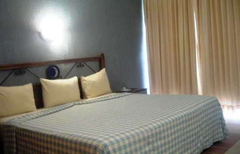 Plaza Palenque - Room - 1
