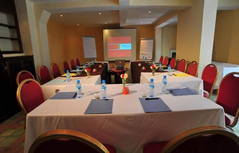 Dar L'Oussia - Conference - 15