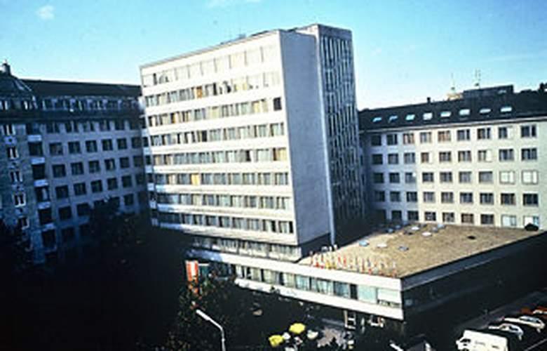 Academia - Hotel - 0