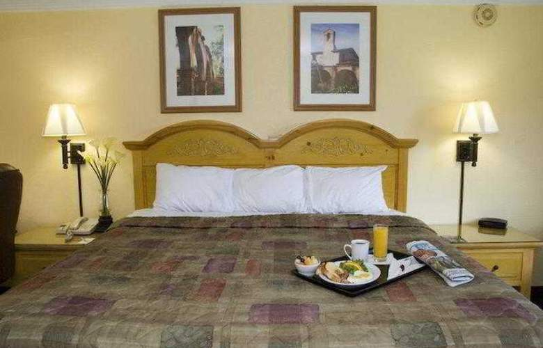 Best Western Goodyear Inn - Hotel - 2