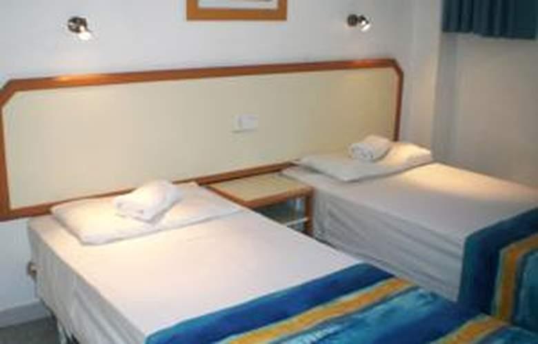 Apartamentos las Gacelas - Room - 1