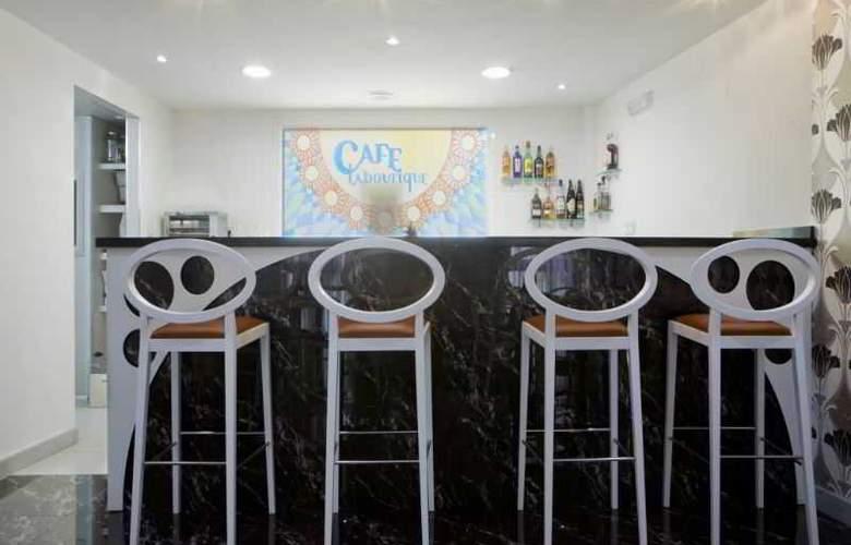 La Boutique Puerta Osario - Bar - 28