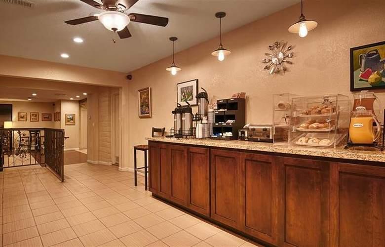 Best Western Plus Orchard Inn - Restaurant - 50