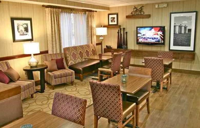 Hampton Inn Columbus I-70E Hamilton Rd. - Hotel - 0