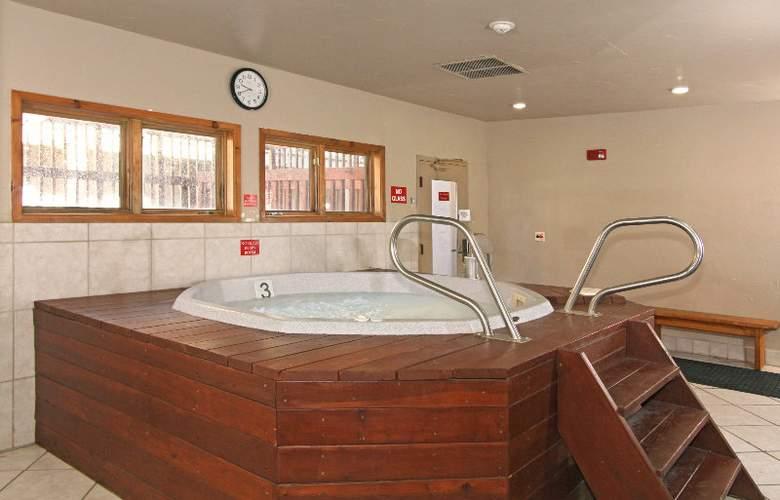 Riverbend Lodge - Sport - 10