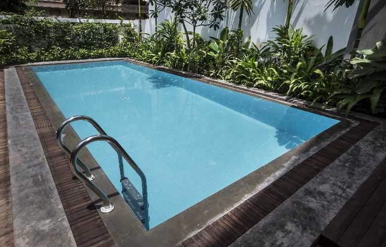 G&Z Urban Hotel - Pool - 14