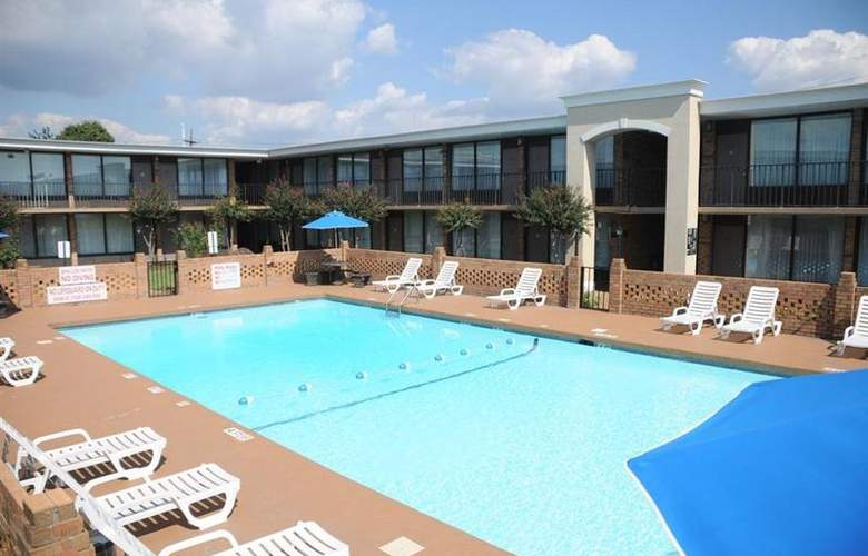 Best Western Greenville Airport - Pool - 24