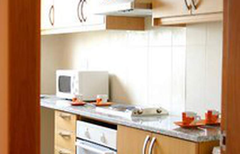 Aquamar Apartamentos - Room - 0