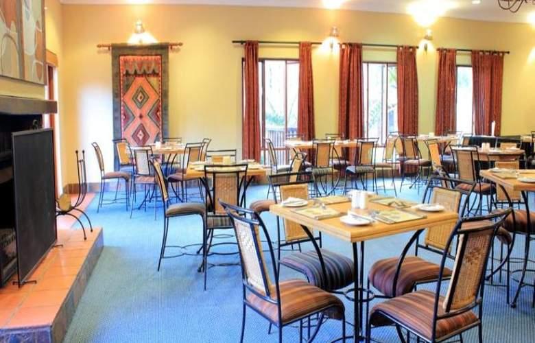 Greenway Woods Resort - Restaurant - 35