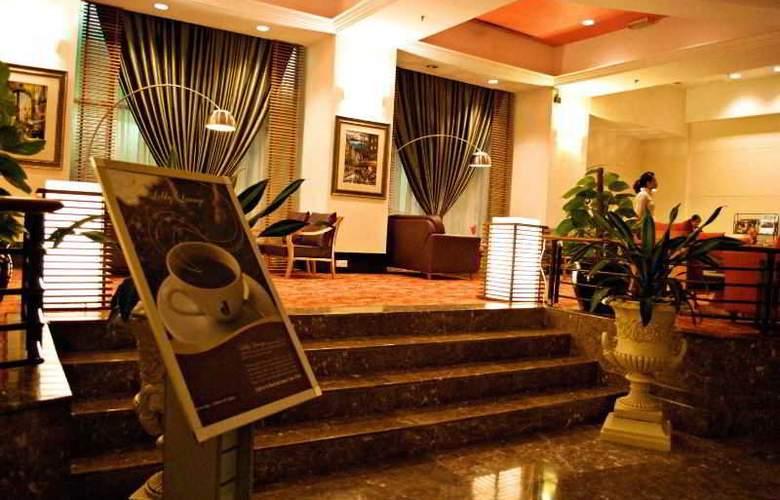 Hotel Royal Kuala Lumpur - Bar - 11
