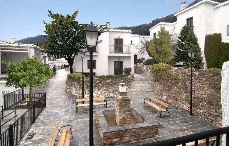 Villa Turistica de Bubion - Hotel - 0
