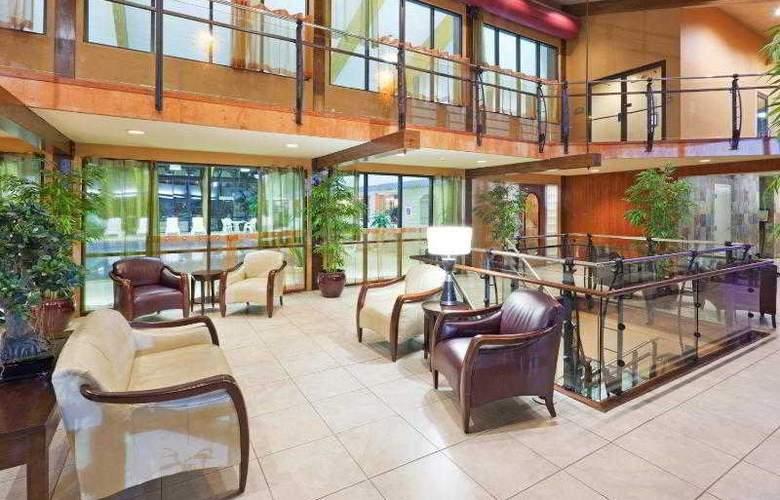 Holiday Inn Cape Cod-Hyannis - General - 11