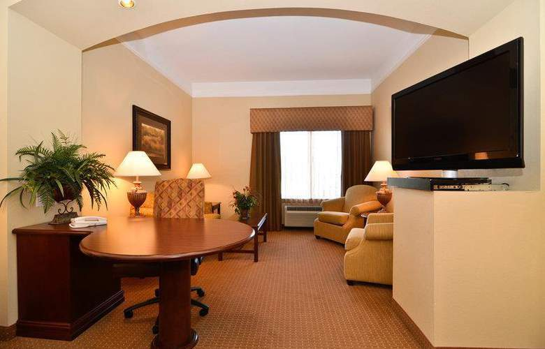 Best Western Plus Monica Royale Inn & Suites - Room - 111