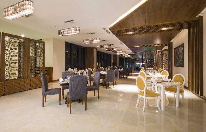 Muong Thanh Nha Trang Centre Hotel - Bar - 4