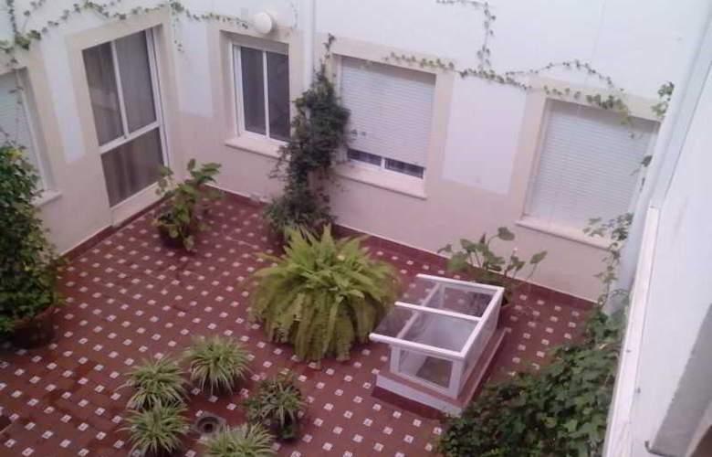 Apartamentos Las Cruces - Hotel - 9