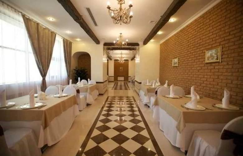 Kazzhol - Restaurant - 14