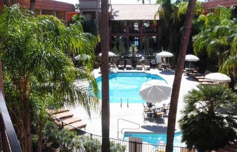 Embassy Suites Tucson Williams Center - Hotel - 5