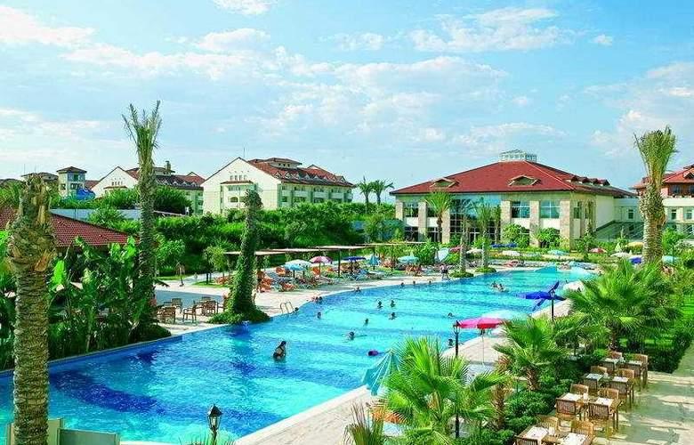 Sural Resort - Pool - 5