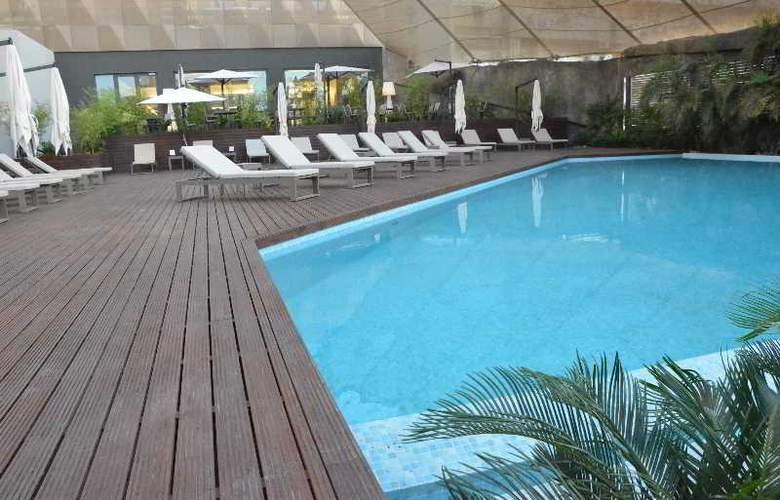 Tropico - Pool - 7