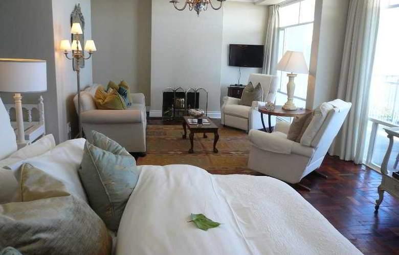 Hermanus Beach Villa - Room - 9