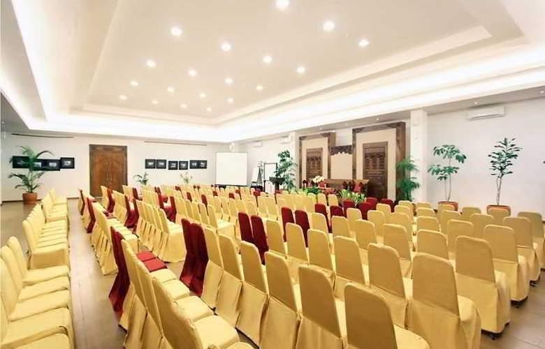 Sukajadi - Conference - 20