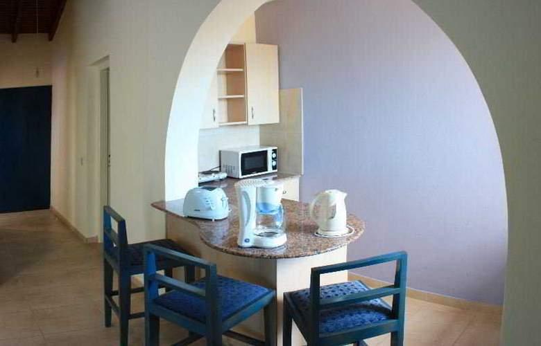 Myro Androu Hotel Apts - Room - 6