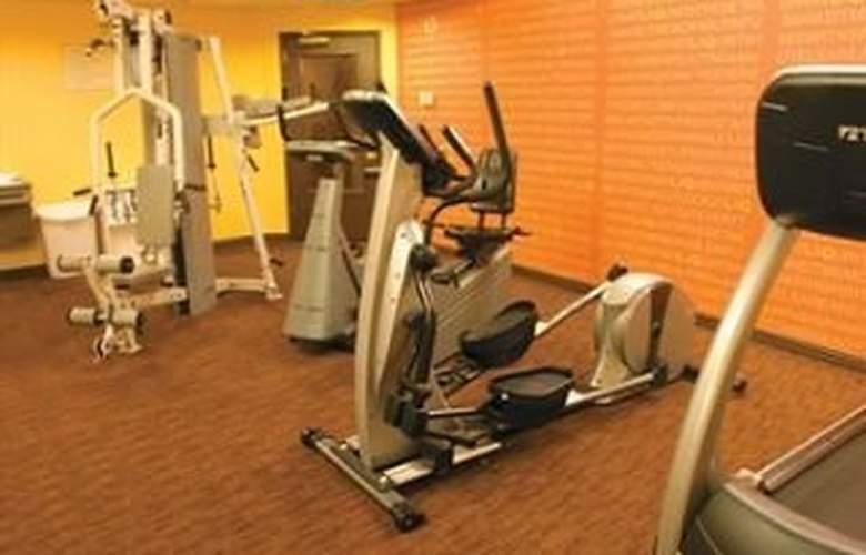 La Quinta Inn & Suites Austin Airport - Sport - 12