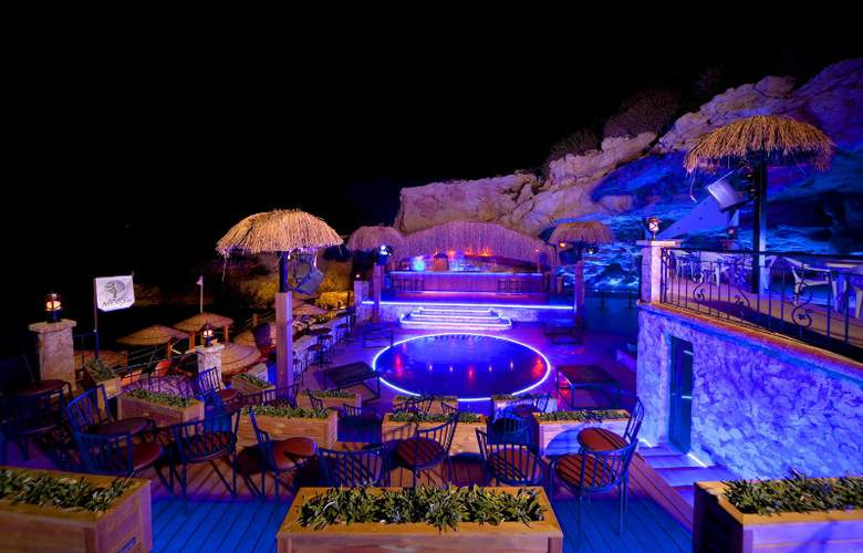 Club Resort Atlantis - Bar - 6