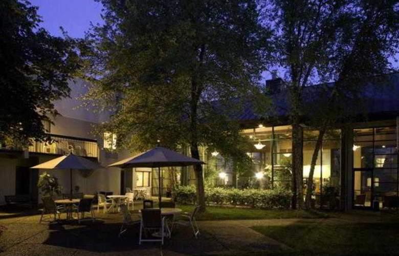 Holiday Inn Express Nashville Airport - Terrace - 2