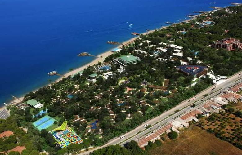 Nirvana Lagoon Villas Suites & Spa - Hotel - 1
