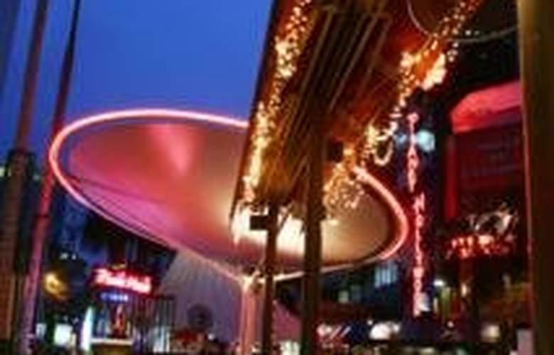 Piccolo Hotel Kuala Lumpur - Bar - 4