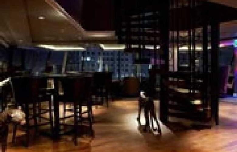 The Continent Hotel Bangkok - Bar - 25