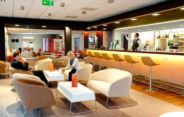 Novotel Warszawa Airport - Bar - 22