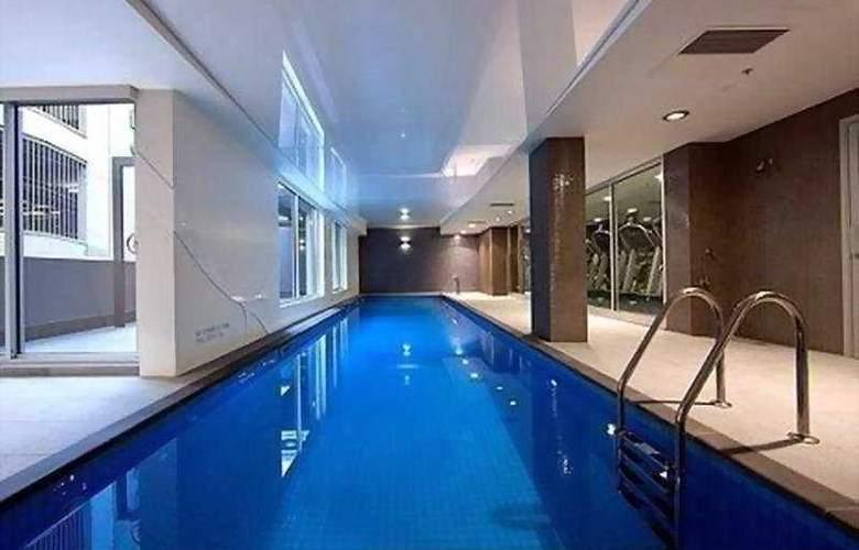Crowne Plaza Adelaide - Pool - 5