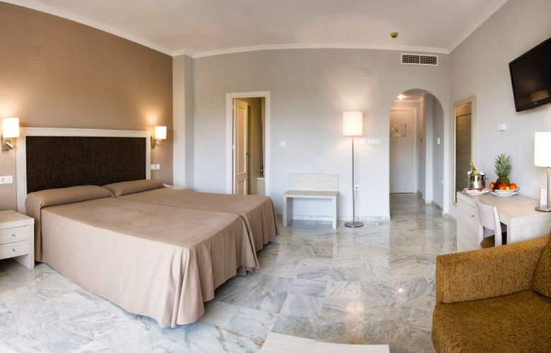 Roc Costa Park - Room - 1