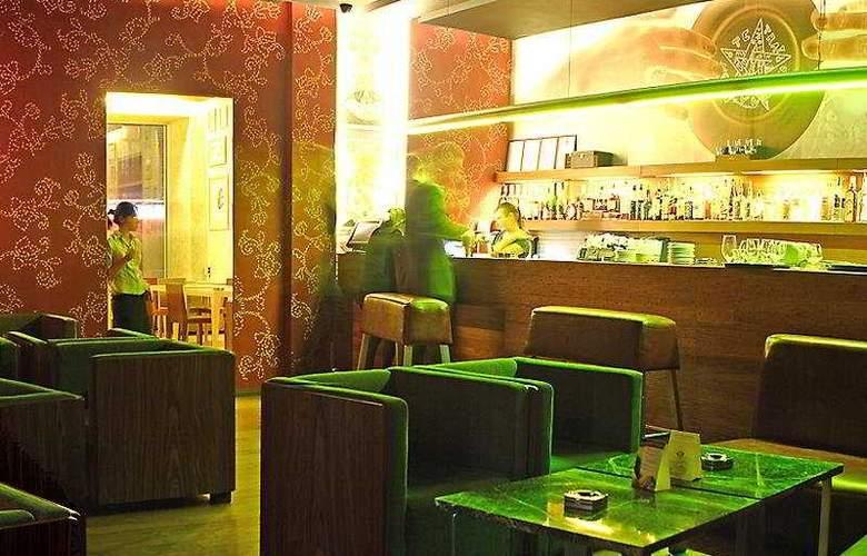 5th Corner Hotel - Bar - 10