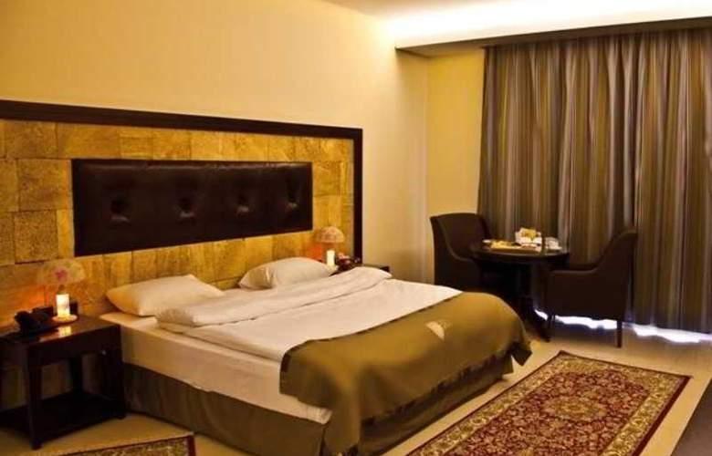 Reston Hotel - Room - 8