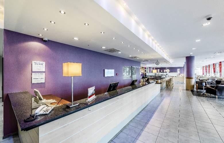 Holiday Inn Express Berlin City Centre - General - 3