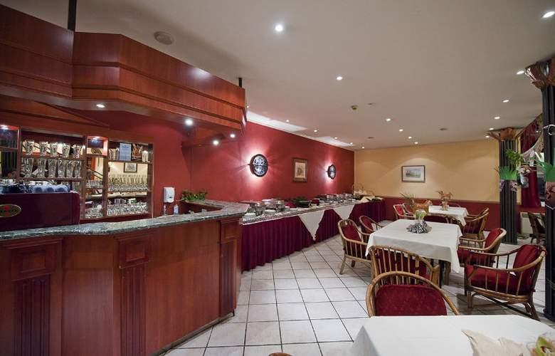 Lido Budapest - Restaurant - 10